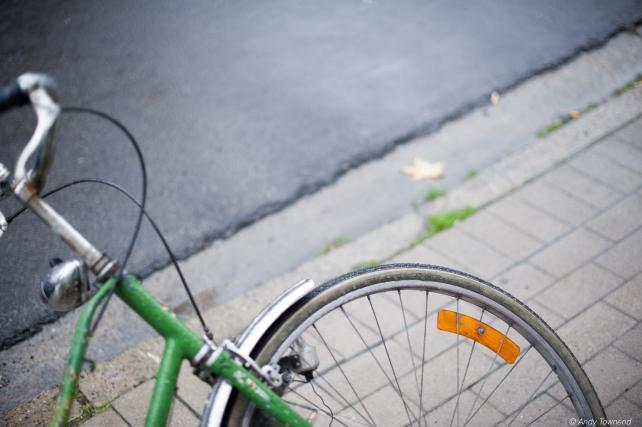 wheel leaning
